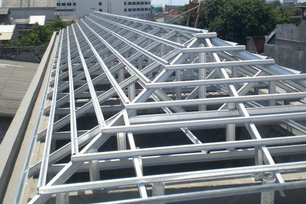 Pemasangan Konstruksi Rangka Atap Baja Ringan